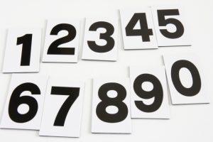 0~9までの数が書かれたカードの写真