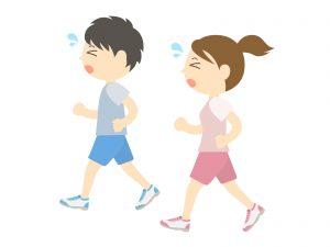 歩きすぎてつかれながらも汗だくで歩いているカップルのイラスト